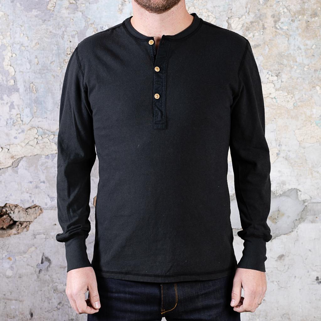 Homespun Knitwear Long Sleeve Coal Miner Henley :: Aged Black