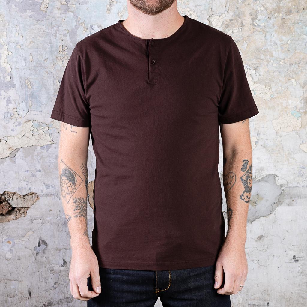 Homespun Knitwear Short Sleeve Henley Tee :: Coffee Bean